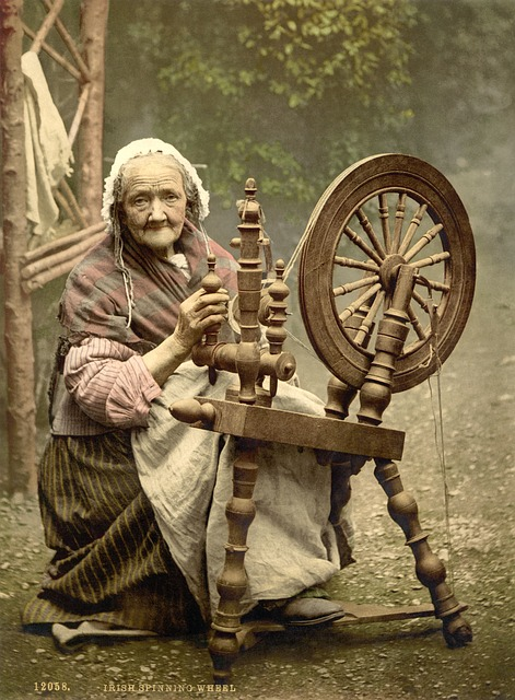spinning-wheel-63007_640